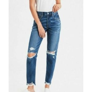 NWOT American Eagle High Rise Girlfriend Fit Jeans